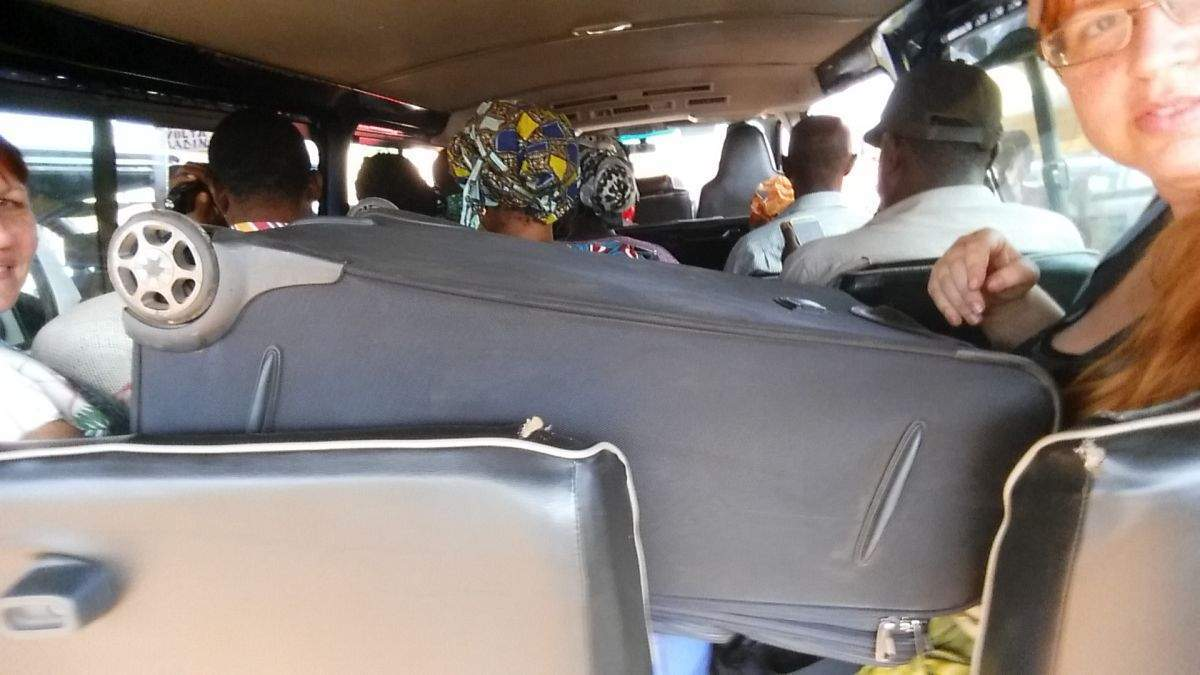 Stiesnená cesta do Accry