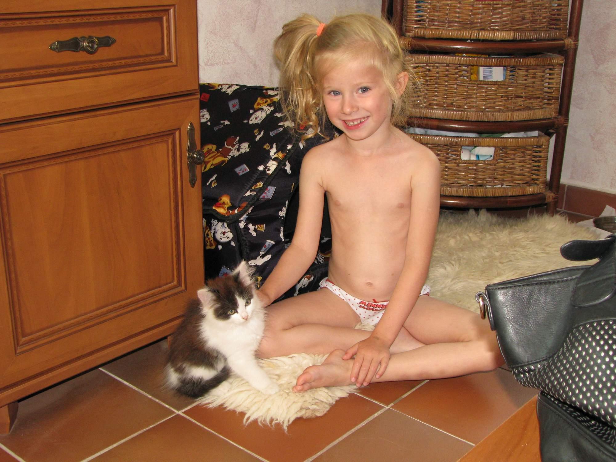 nude pics naked trisha tits hot