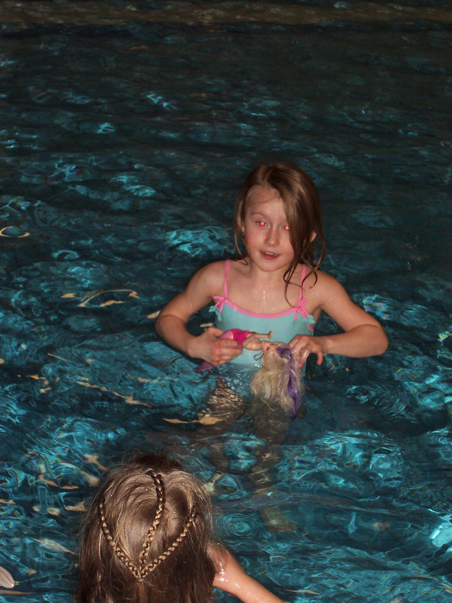 Řádíme na bazéně:-) - filipet - album na Rajčeti
