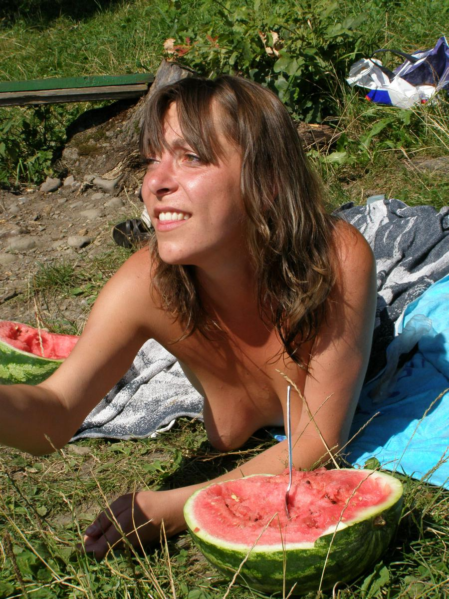 ru little nudist girls Chorvatsko naked děti)