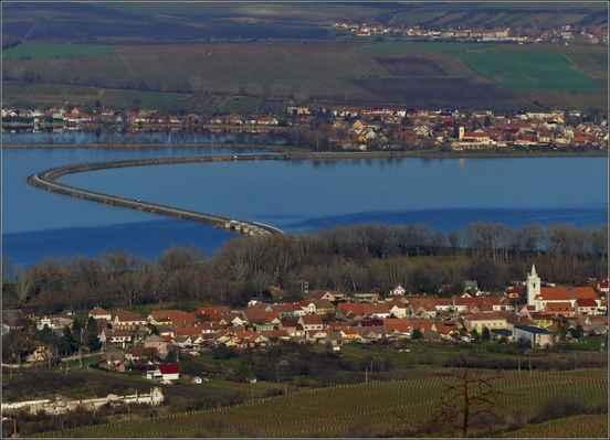 Dolní Věstonice - Strachotín