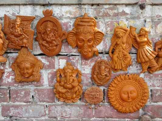 Moc pěkná keramika na ulici.