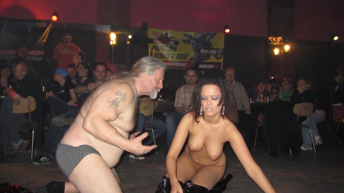 Amateur stripper video — photo 11