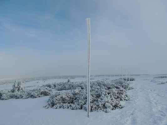 Na Sněžku nejedu jde tam moc lidí, ale dalo by se v pohodě...