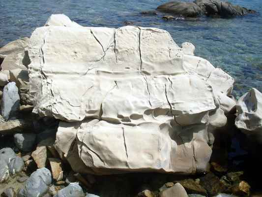 Sochařská galerie v přírodě - vše autor: příroda + voda + vzduch