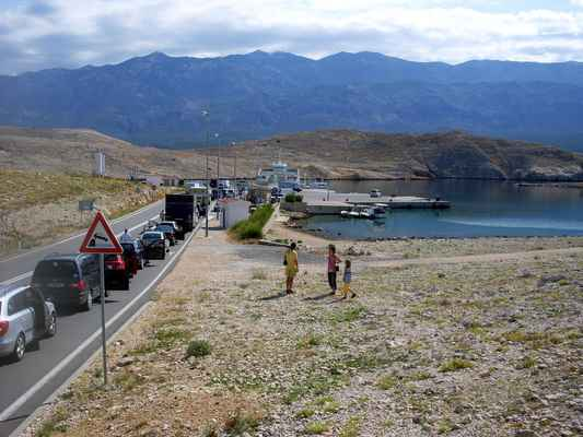 Mišnjak - trajektový přístav na Rábu