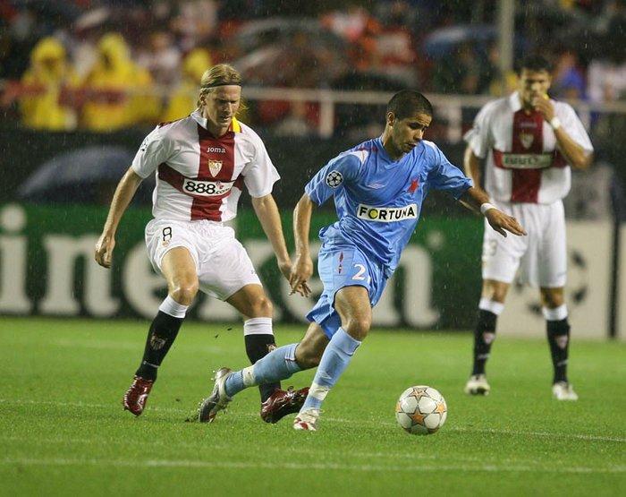 Poulsen, en un Sevilla-Slavia.