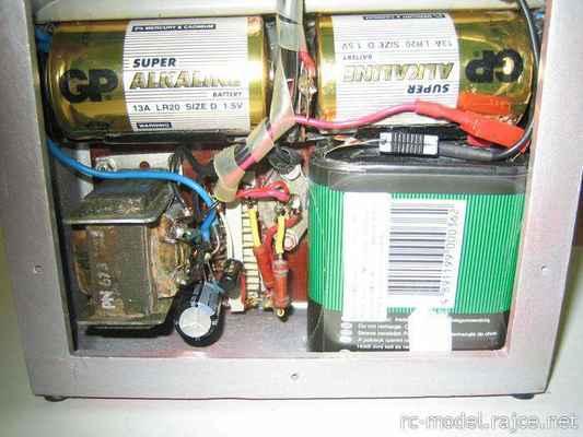 Vysílač Gama - detail měniče napětí místo anodové baterie - úprava podle Modeláře č.12-1966