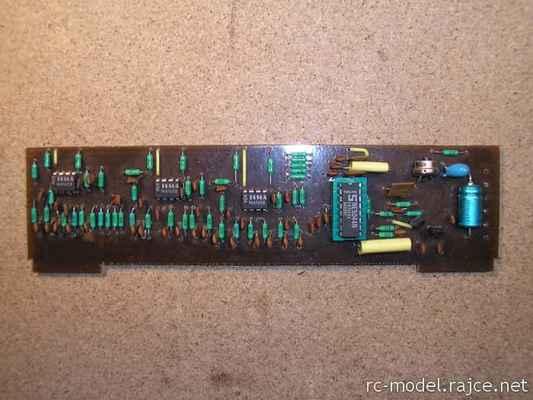 Kodér Variant s využitím moderního IO typu NE5044 s mixy pro modely typu F3X (1986) vyvinutý pro zástavbu do vysílače Modela T6AMxx/FMxx.