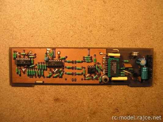 Další zdokonalená varianta kodéru pro vysílač Modela s mixy pro modely typu F3X