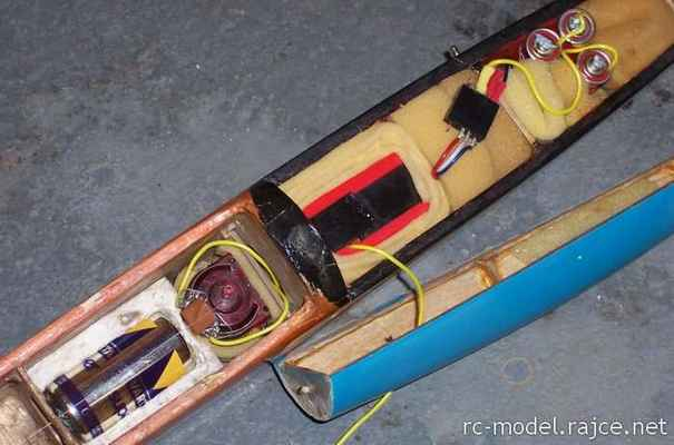 Špagomatik - jednokanálové ovládání směrovky navíjením nitě elektromotorem Igla