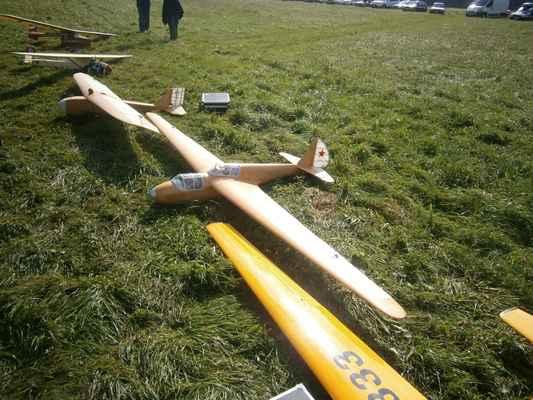 S těmihle modely (Dewoitine  a Rostov) létal Jindřich Stejskal na Retroplane ve Francii.